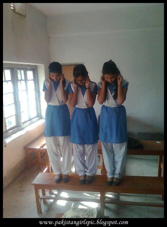 Pakistani girls pictures gallery: desi school girl pictures