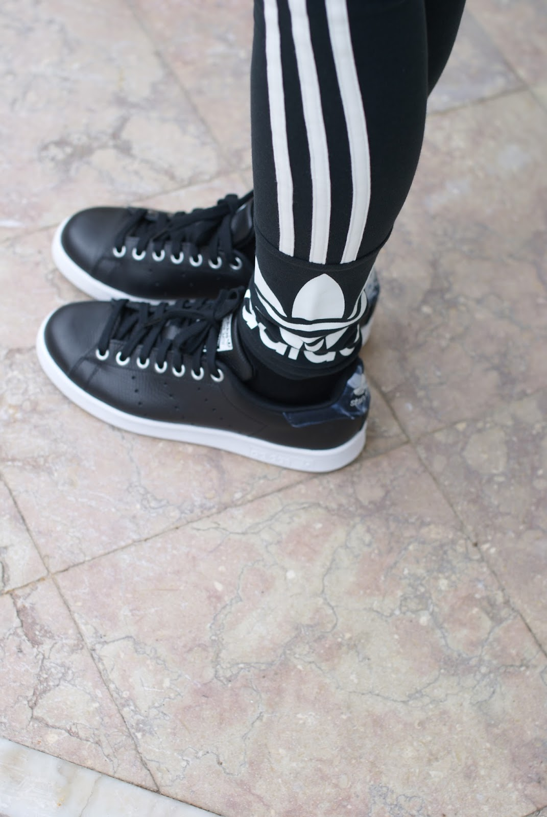 adidas stan smith rita ora sneakers in core black on Fashion and Cookies fashion blog