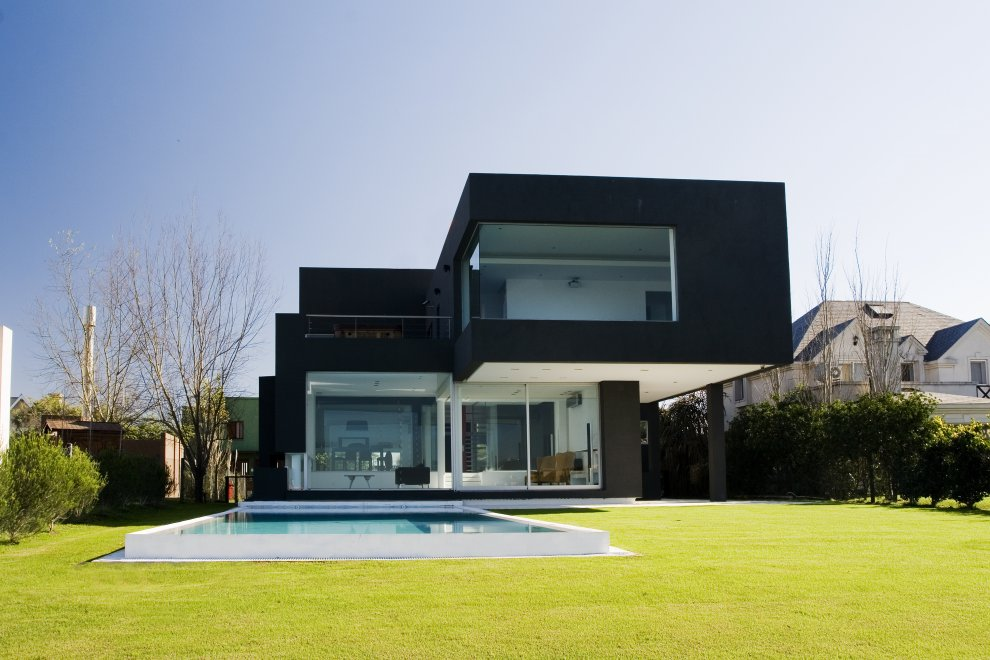 Black house buenos aires argentina most beautiful for Images of black houses