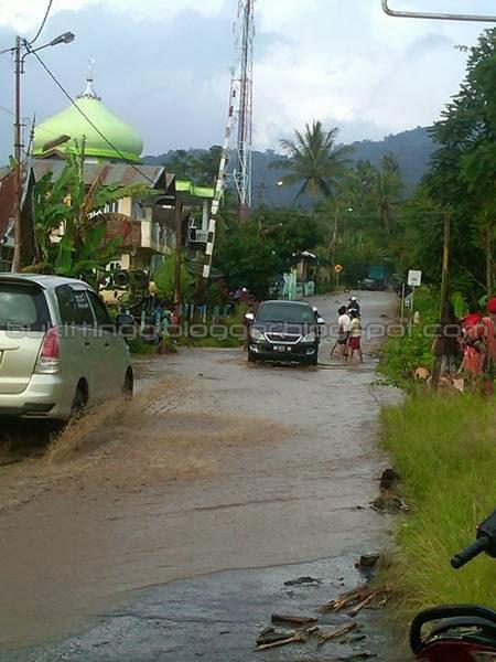 foto banjir di batipuh padang panjang