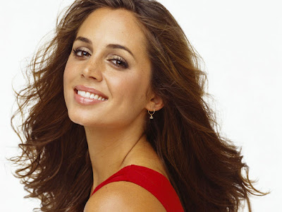 American Hollywood Actress Eliza Dushku Wallpaper
