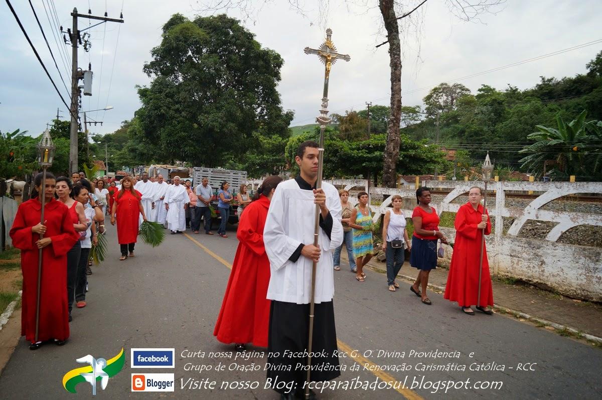 Procissão de Ramos saindo da Capela de Santa Josefa em 13/04/2014