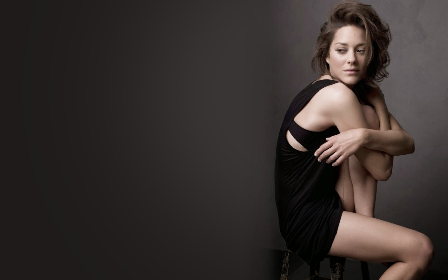 MARION COTILLARD_WALLSTOWN_IN_HOLLYWOOD ACTRESS_HOLLYWOOD CELEBRITIES