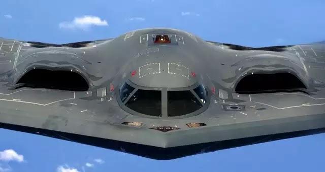 Οι ΗΠΑ ανοίγουν δύο μέτωπα: Στρατηγικά βομβαρδιστικά Β-52 οπλισμένα με πυρηνικά στα σύνορα της Ρωσίας