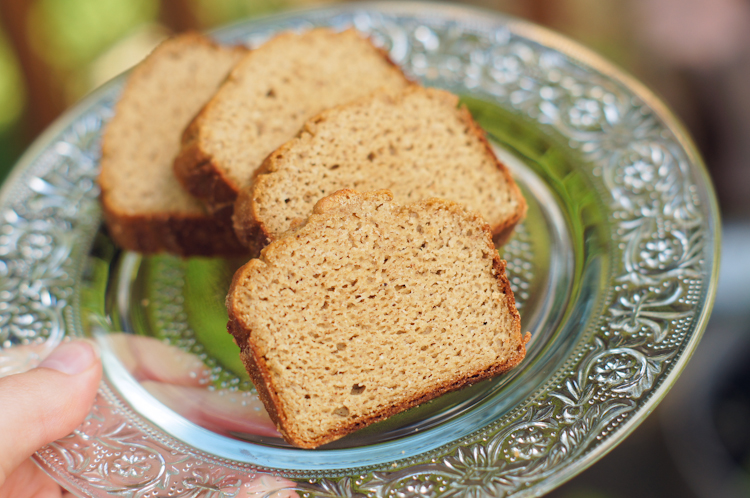 Ribbons Down My Back: Banana Bread (Paleo)