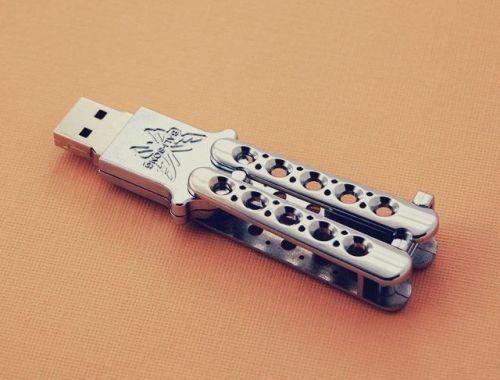 USB Klappmesser Butterfly Taschenmesser