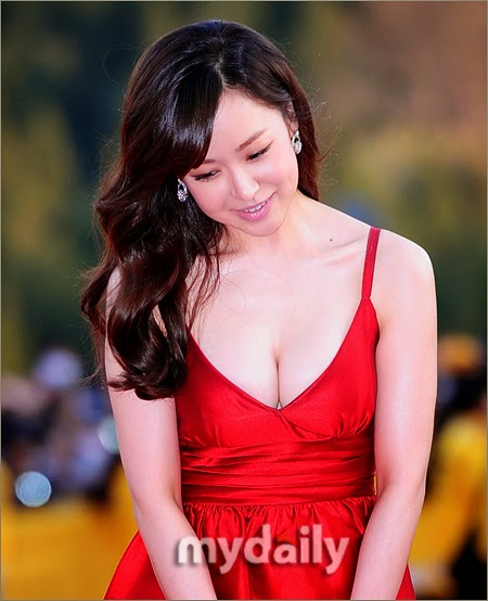Yoo So Young (유소영) - 13th Jeonju International Film Festival (JIFF 2012) on 26 April 2012