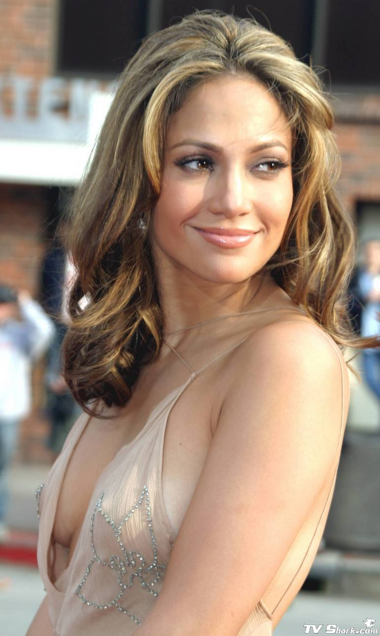 Jennifer Lopez Cleavage Nude Photos 38