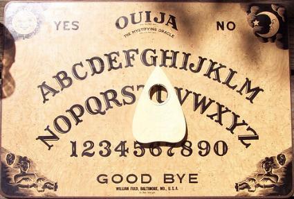 jugar con la tabla de ouija: