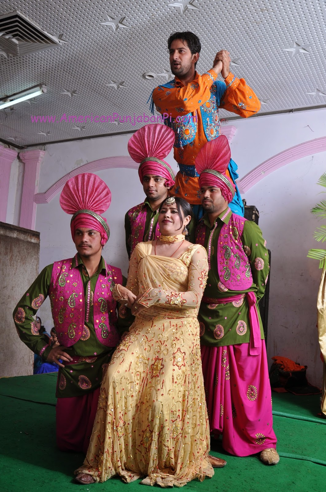 bhangra dancers Punjab India wedding