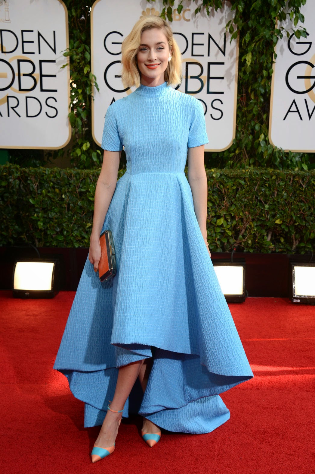 Caitlin Fitzgerald. Here's a beautiful blue modest mdid skirt