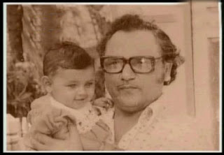 baby Rani Mukherjee with her father pictures