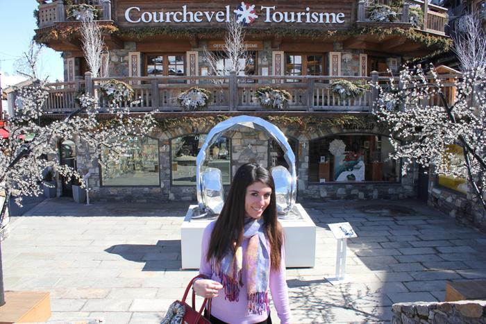 diana dazzling, fashion blogger, fashion blog,  cmgvb, como me gusta vivir bien, dazzling, luxury, courchevel, 1850, ski, luxury ski, art gallery, statues, mademoiselle courchevel