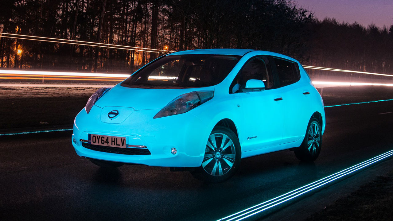Nissan Leaf is first glow-in-the-dark car