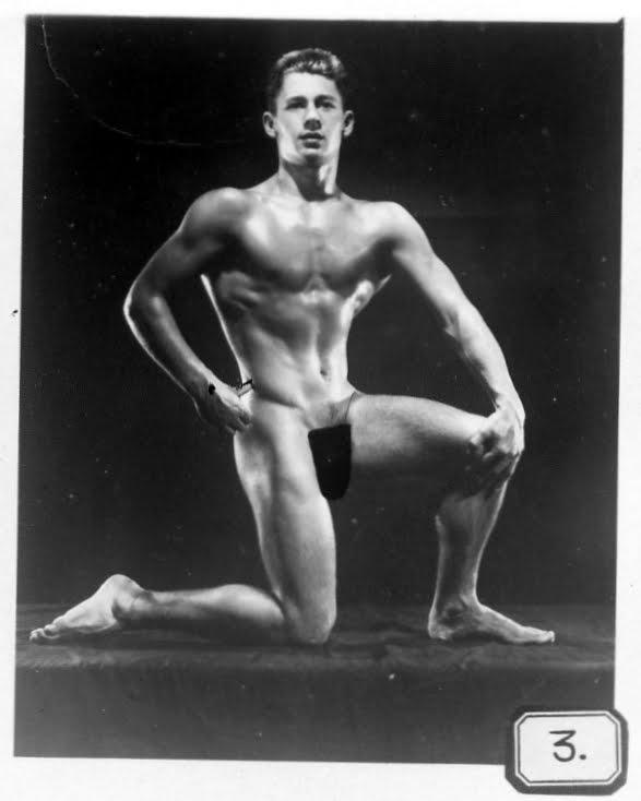 bob-paris-bodybuilder-nude-facial-expressions-pics