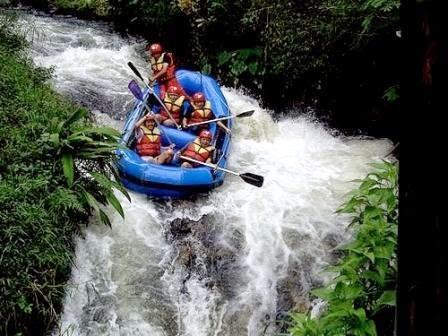 Paket Arung Jeram ( Rafting ) di Bandung