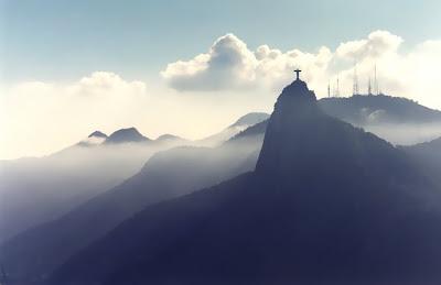 Cristo Redentor sob a luz da luz - Rio de Janeiro