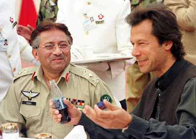 Imran-Khan-with-Pervaiz-Musharraf