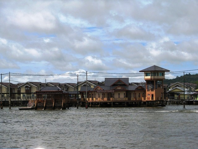 Kampong Ayer Cutural and Tourism Gallery, Royal Wharf Brunei, brunie itinerary, brunei tourist area, brunei attractions, what to do in brunei, where to go in brunei, brunei in one day