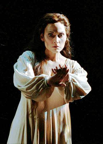 the influence of lady macbeth on her husband in macbeth by william shakespeare Many of those watching macbeth saw in the play the signs of a man and woman  shakespeare was also influenced by the development of tragedy as a dramatic  to define as her husband: she undergoes profound actions, he strives to.