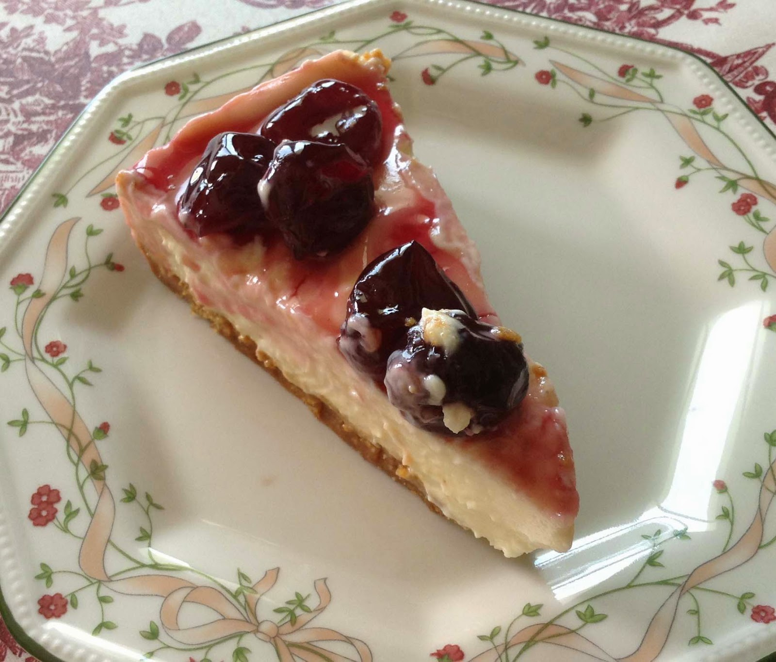 tarta queso y salsa cerezas. receta