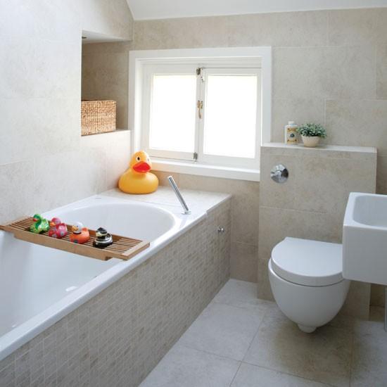 Маленькая ванная комната с утками