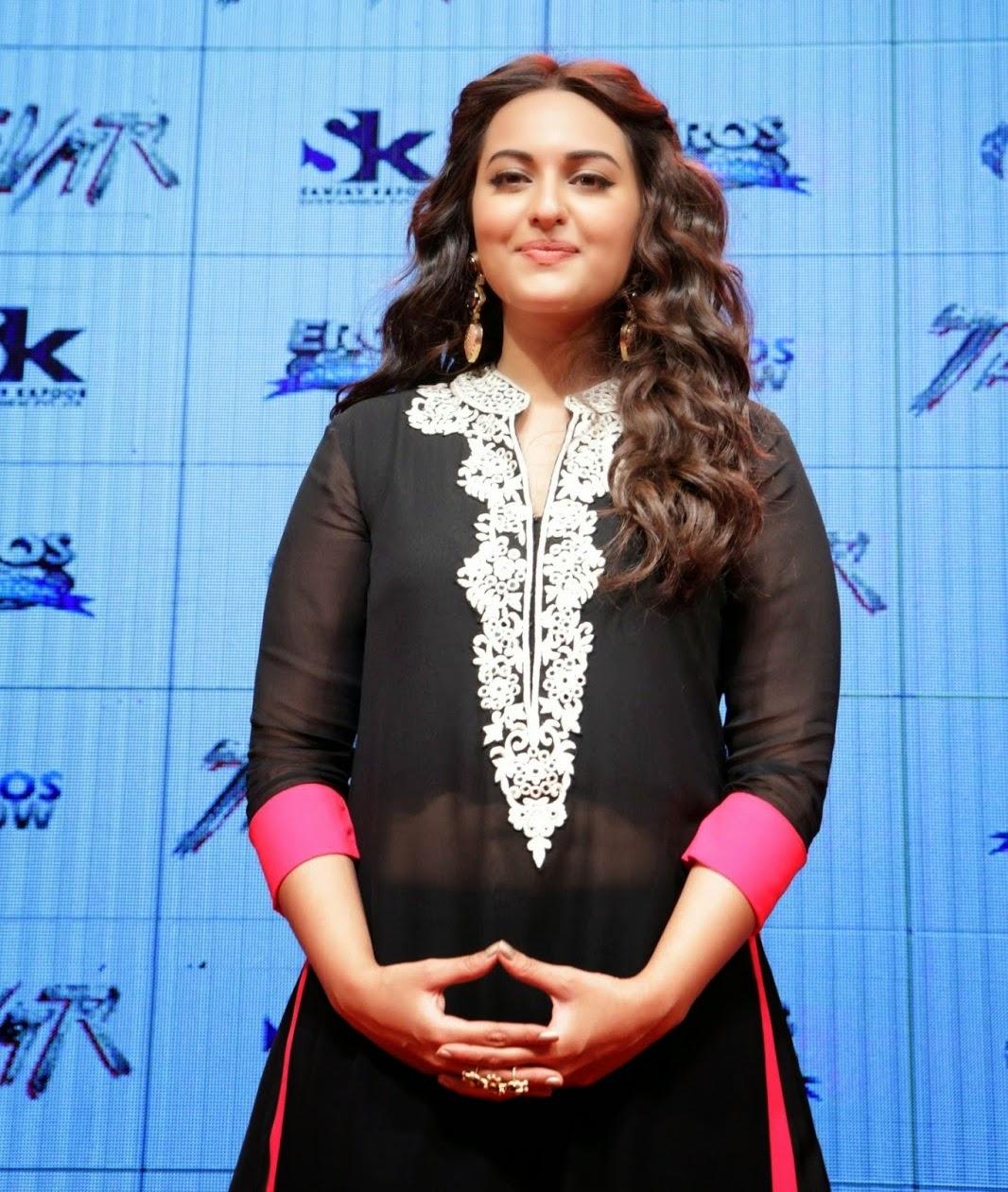 sonakshi sinha cute in black dress cute marathi