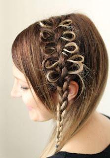 Gaya rambut kepang busur