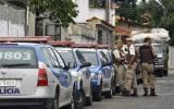 Policiais são confundidos com bandidos e acabam baleados pelos próprios colegas