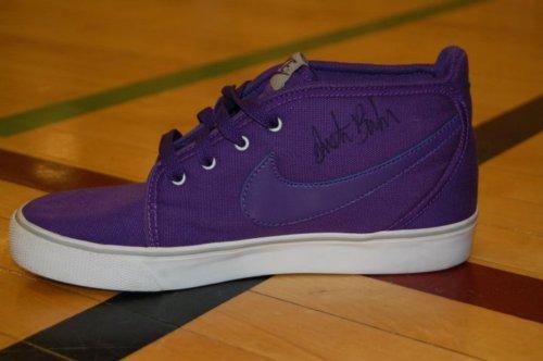 "Bieber's In ""Shoe"" Business"