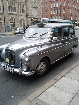 taxi bus Belfast