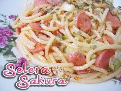 Spaghetti Goreng Dengan Jus Lemon