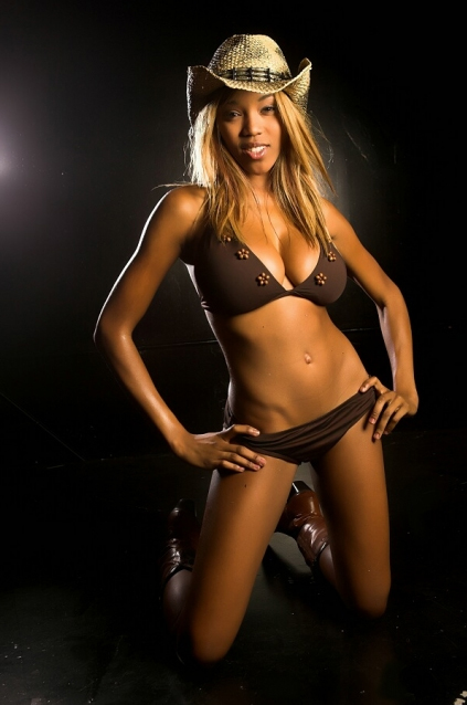 World celebrity image usa famous wrestler alicia fox hot - Diva my body your body ...
