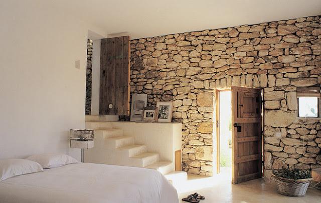Paredes de piedra para crear espacios c lidos decorar tu - Piedra para exteriores casas ...