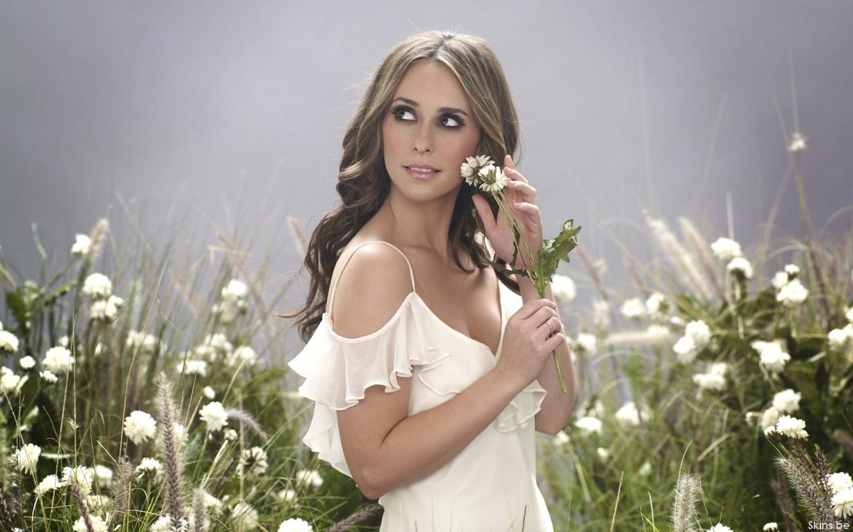 http://4.bp.blogspot.com/-fHKSKTnJEV8/UDiAj_1smTI/AAAAAAAAOOQ/-8YAg-V9ZvE/s1600/Jennifer-Love-Hewitt-actresses-9958707-1440-900.jpg