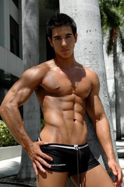 ripped-muscle-hunk-twink-swimwear-bulge-naked-stiff-nipples-hot.JPG
