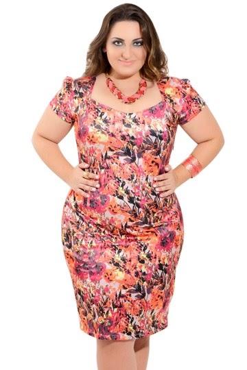 vestido plus size curto com estampa floral - dicas e fotos