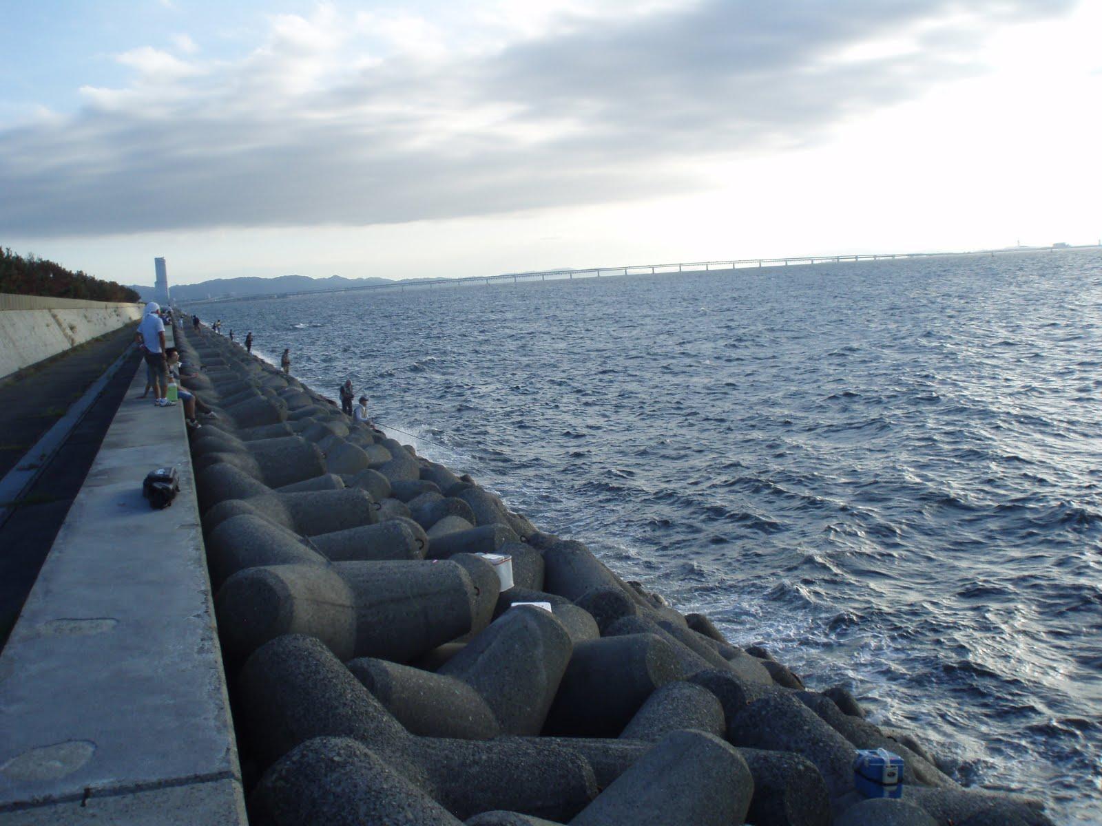 貝塚 人工 島 水路