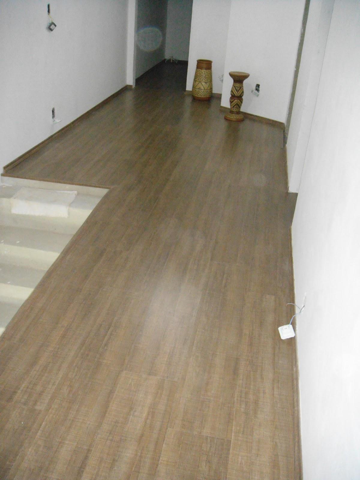 Um charme de lar meu piso laminado instalado for Piso laminado instalado