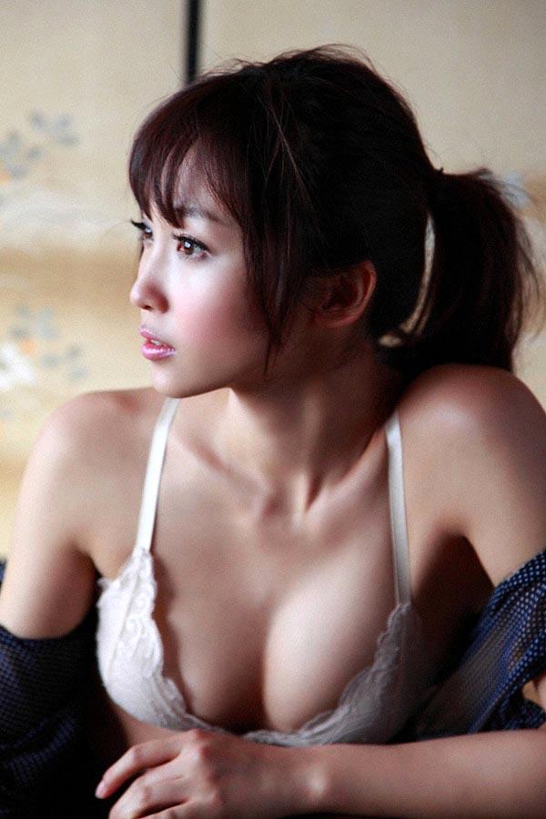 risa yoshiki sexy naked photos 01