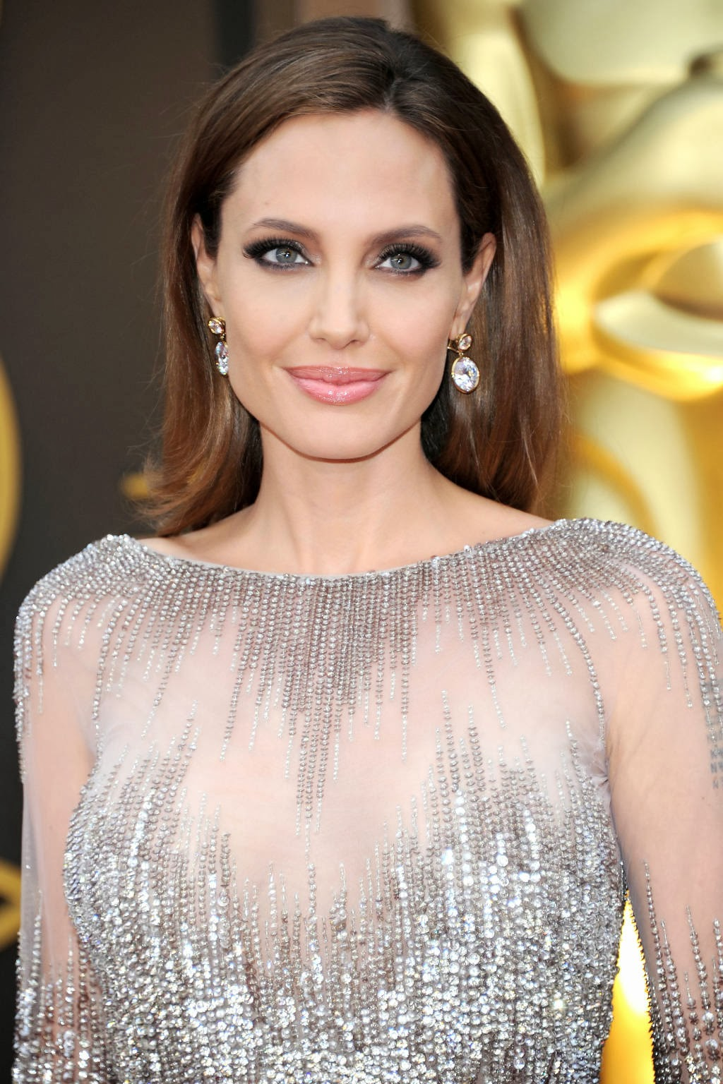 Who had the best beauty, hair and makeup at the Oscars for 2014. Angelina Jolie