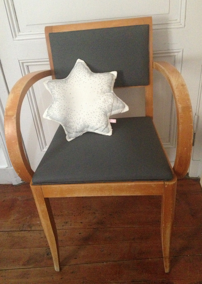 Poudre détoiles  Peindre sur un fauteuil en tissus ~ Peindre Un Fauteuil En Bois