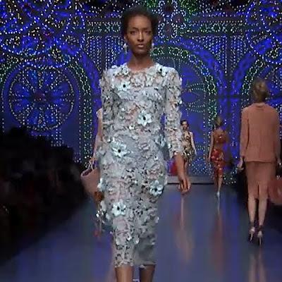 Dolce & Gabban nyári divat - csipke női nyáriruha a 2012-es kollekcióból