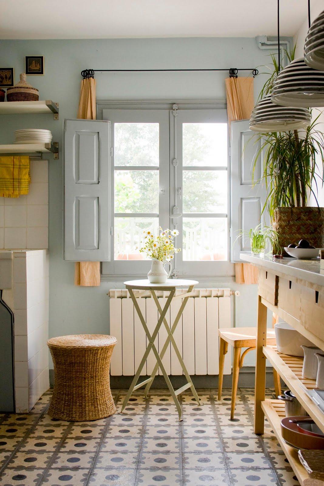 Marta decoycina baldosas hidraulicas aire antiguo para for Baldosas cocina