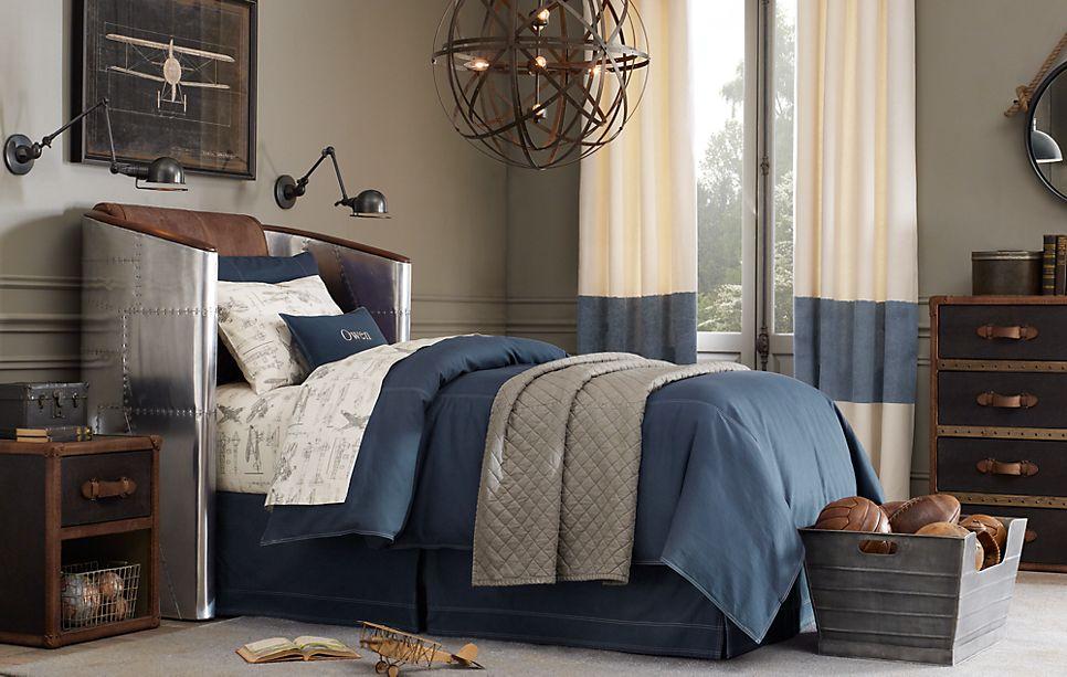 T h e v i s u a l v a m p what do you think of steampunk decor - Steampunk bedroom ideas ...