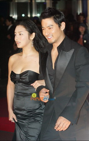 PARK SI YEON and Joo Jin Mo Wearing Dress Party | Celebrities Network
