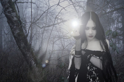the-light-witch-in-the-forrest-gothic-wallpaper