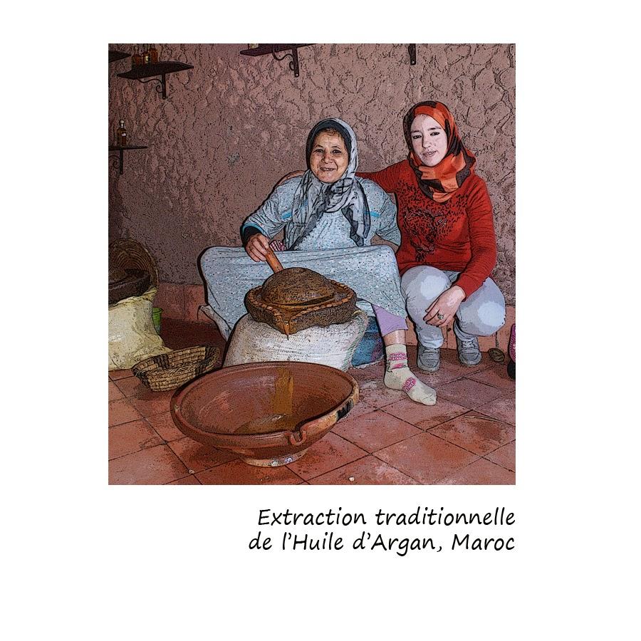 extraction de l(huile d'argan de façon traditionnelle par les femmes berbères