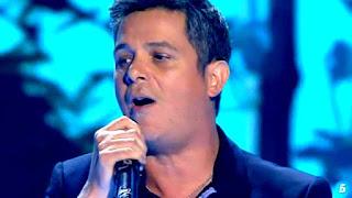 Alejandro Sanz canta Un zombie a la intemperie