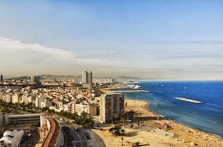 Gambar Pantai Barceloneta